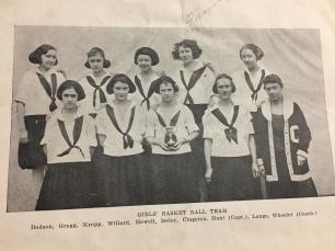 1922 Girls Bkb Team